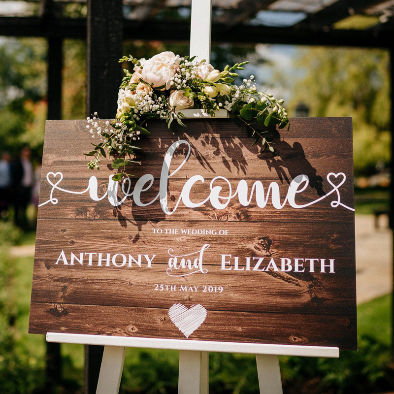 rustic-welcome-sign-wedding-cermony-essex
